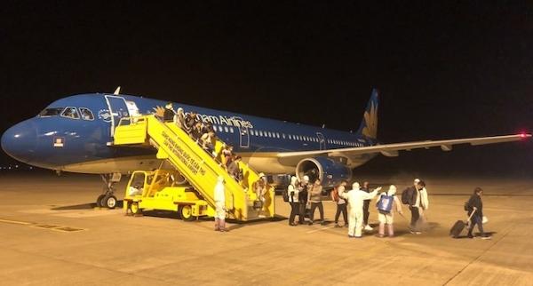 Giảm thuế bảo vệ môi trường nhiên liệu bay để gỡ khó cho doanh nghiệp hàng không
