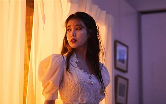 Scandal tình ái lớn nhất sự nghiệp của IU và Tae Yeon - Ảnh 3