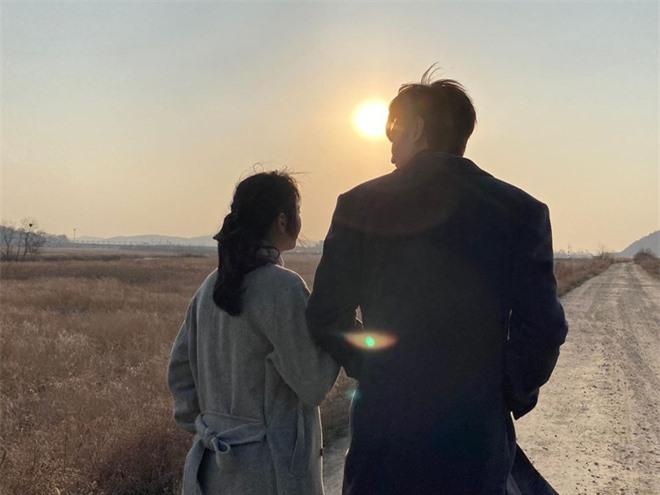 Bằng chứng Lee Min Ho hẹn hò sao nữ 'Quân vương bất diệt' Kim Go Eun - Ảnh 11