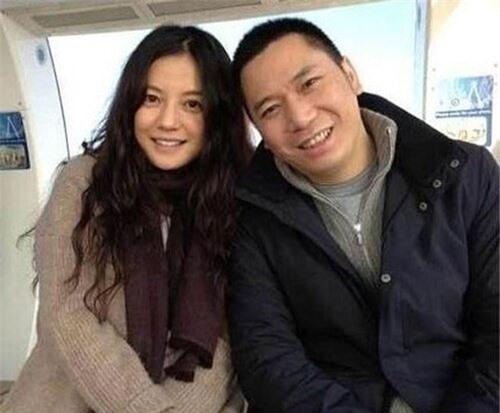 Bỏ lỡ Tô Hữu Bằng, từ chối Huỳnh Hiểu Minh, vì sao Triệu Vy chọn đại gia 'một đời vợ' Huỳnh Hữu Long? - Ảnh 2