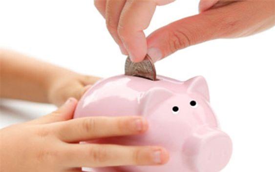 Cha mẹ nên ứng xử khôn khéo với những xin tiền của con