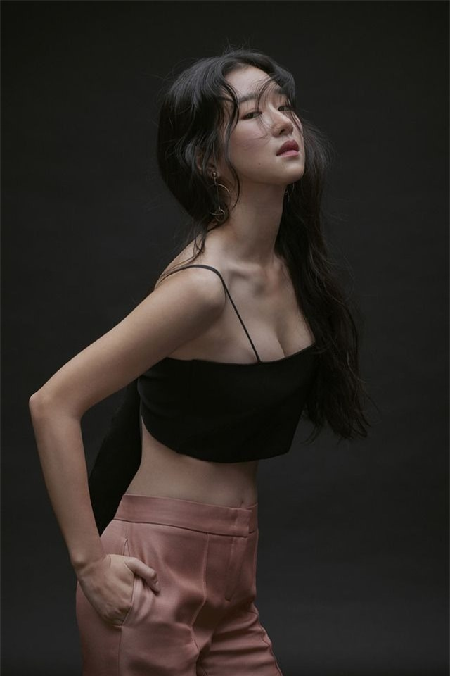 'Điên nữ' Seo Ye Ji sở hữu mình hạc xương mai - vòng eo siêu thực - Ảnh 13