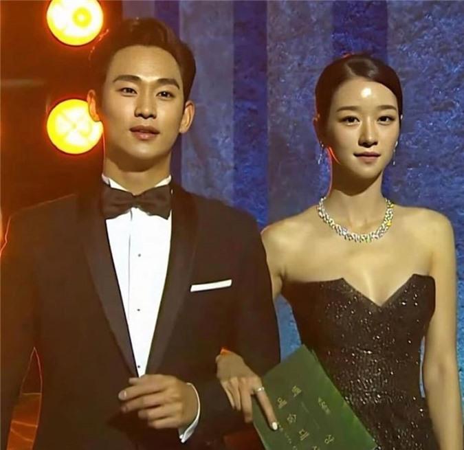 'Điên nữ' Seo Ye Ji sở hữu mình hạc xương mai - vòng eo siêu thực - Ảnh 5