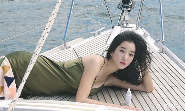 'Điên nữ' Seo Ye Ji sở hữu mình hạc xương mai - vòng eo siêu thực - Ảnh 6