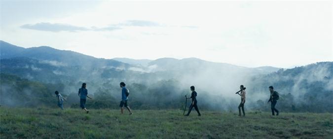 Phim Đỉnh mù sương quay tại vùng cao nguyên vắng người, khung cảnh đẹp và bí ẩn.