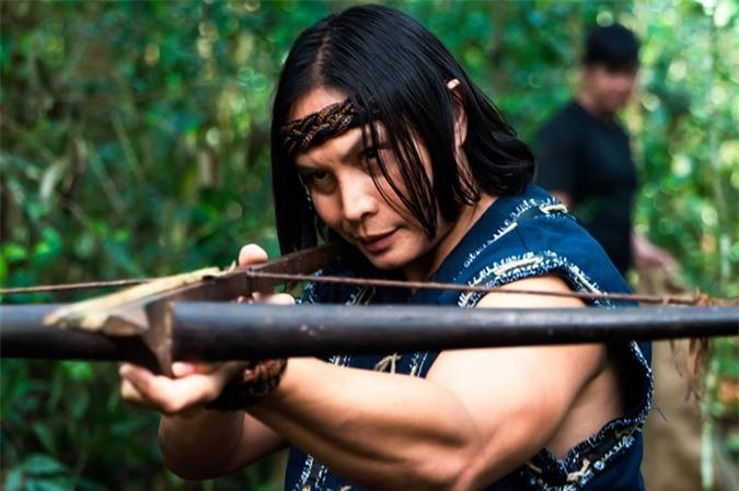 Simon Kook trong vai một người dân tộc trong phim Đỉnh mù sương.
