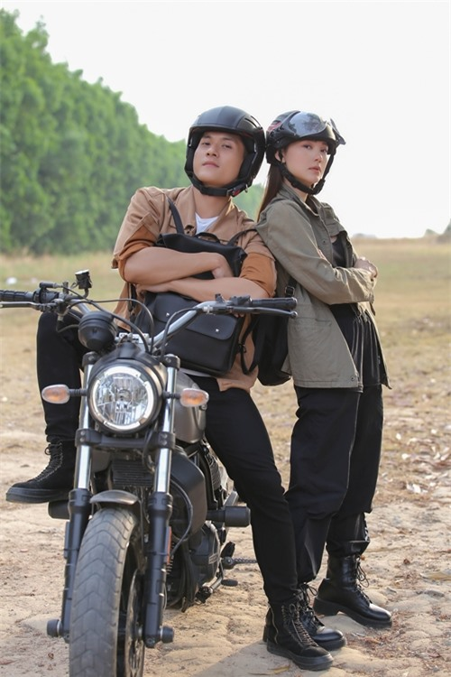 Trong tập 3 ra mắt tối thứ 6 tuần trước, Minh Hằng có loạt cảnh rượt đuổi và hành động phối hợp với người mẫu - diễn viên Lâm Bảo Châu.