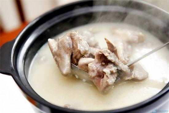 Nên bổ sung món cháo chim cút mè đen vào bữa ăn hàng ngày của người bị suy nhược cơ thể