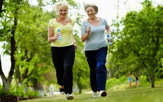 Tập thể dục ở tuổi 50 có 3 sai lầm không nên mắc phải - Ảnh 2.