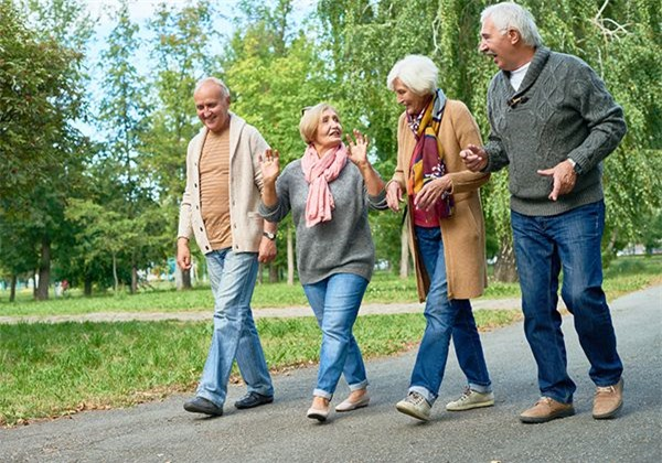 Tập thể dục ở tuổi 50 có 3 sai lầm không nên mắc phải - Ảnh 3.