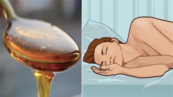 Uống mật ong trước khi ngủ tốt chẳng kém thần dược, điều số 2 chị em rất thích - Ảnh 1.
