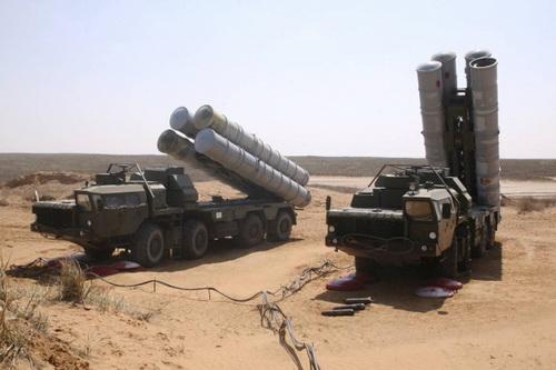 S-300VM Ai Cập và S-400 Thổ Nhĩ Kỳ chuẩn bị có màn đối đầu nảy lửa. Ảnh: TASS.