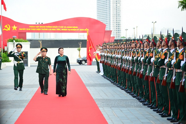 Chủ tich Quốc hội Nguyễn Thị Kim Ngân thăm và làm việc tại Tập đoàn Viettel sáng 16/7/2020.