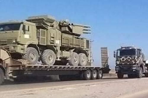 Hệ thống phòng không Pantsir-S1 của Syria được đưa tới Libya. Ảnh: Al Masdar News.
