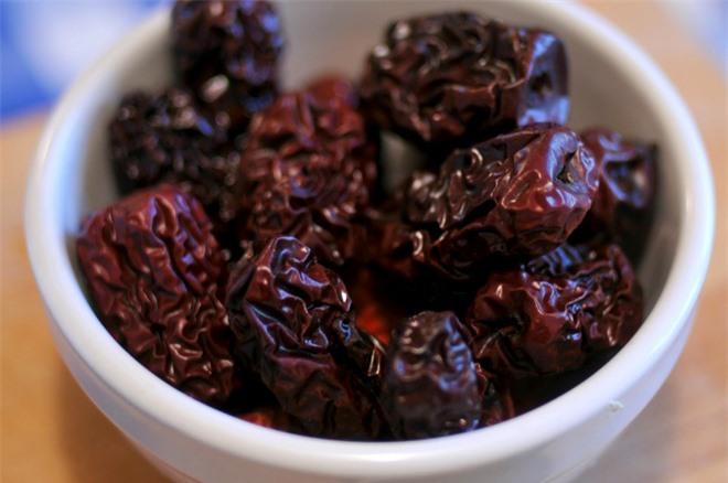 Thường xuyên hoa mắt chóng mặt, đứng không vững: Hãy ăn ngay 7 thực phẩm bổ máu này - Ảnh 4.