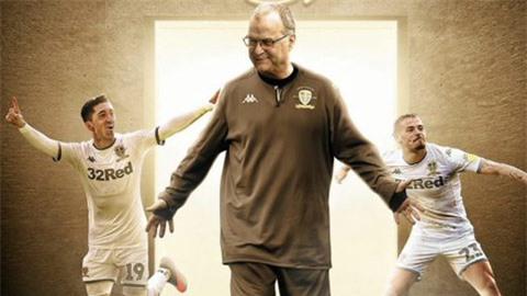 Leeds United trở lại Ngoại hạng Anh sau 16 năm vắng bóng