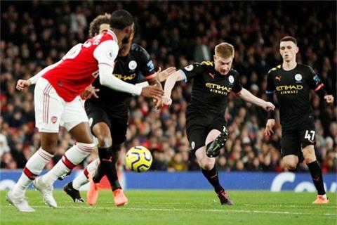 De Bruyne ghi tổng cộng 3 bàn vào lưới Arsenal trong hai trận tại Premier League mùa này