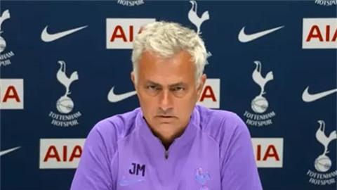 Mourinho: 'M.U có cái may mà chẳng đội nào có'