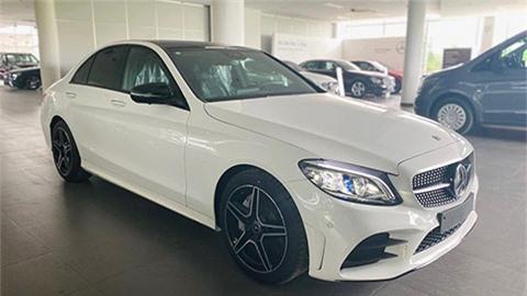 Mercedes C300 AMG 2020.