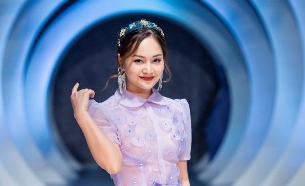 Lan Phương gây ấn tượng trong vai trò người mẫu catwalk