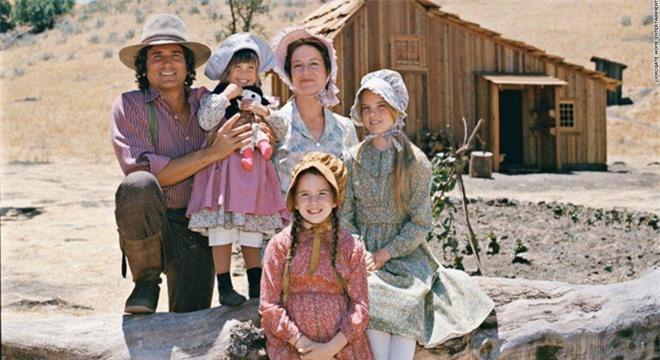 Dàn diễn viên 'Ngôi nhà nhỏ trên thảo nguyên' ra sao sau 46 năm? - Ảnh 1