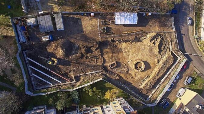 Xây nhà, công nhân lọt vào Thành Cổ Loa ma quái phiên bản Ba Lan - Ảnh 1.