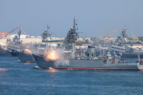 Các tàu chiến thuộc Hạm đội Biển Đen của Hải quân Nga. Ảnh: TASS.