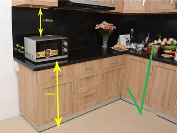 Không đặt lò vi sóng quá gần bếp
