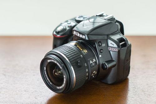 6. Nikon D3300 (giá: 600 USD).