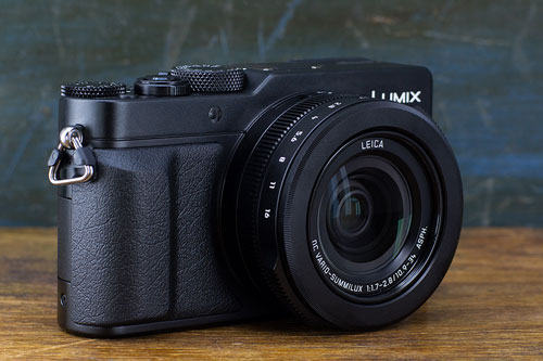9. Panasonic Lumix DMC-LX100 (giá: 598 USD).