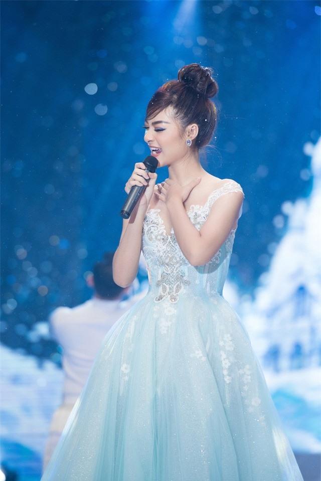 Dàn Hoa hậu, Á hậu sinh năm 2000 đọ dáng trong đầm công chúa - Ảnh 11.