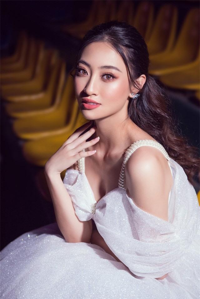 Dàn Hoa hậu, Á hậu sinh năm 2000 đọ dáng trong đầm công chúa - Ảnh 5.