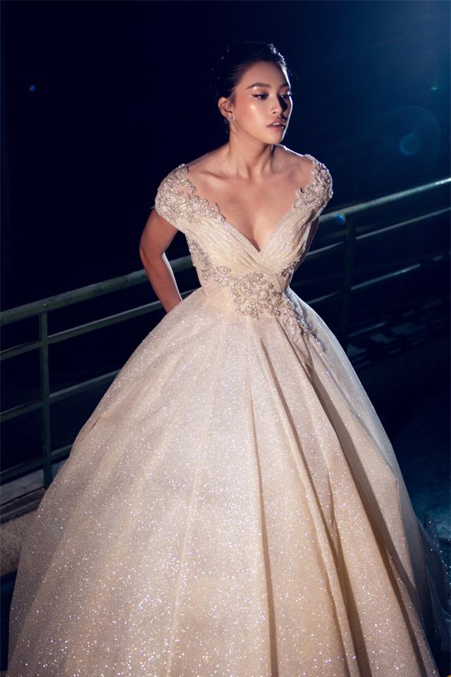 Dàn Hoa hậu, Á hậu sinh năm 2000 đọ dáng trong đầm công chúa - Ảnh 9.