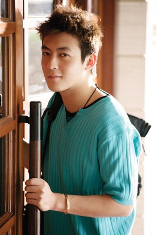 Mặc dù xuống sắc thảm hại nhưng hình ảnh thời hoàng kim của 'bad Boy' Trần Quán Hy vẫn khiến triệu fan nữ xao xuyến vì quá đẹp trai - Ảnh 10