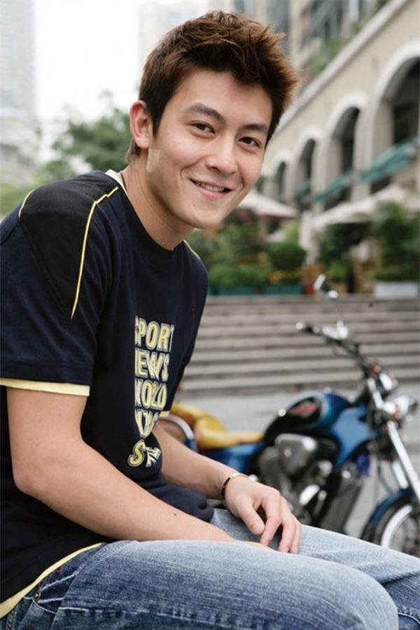 Mặc dù xuống sắc thảm hại nhưng hình ảnh thời hoàng kim của 'bad Boy' Trần Quán Hy vẫn khiến triệu fan nữ xao xuyến vì quá đẹp trai - Ảnh 13