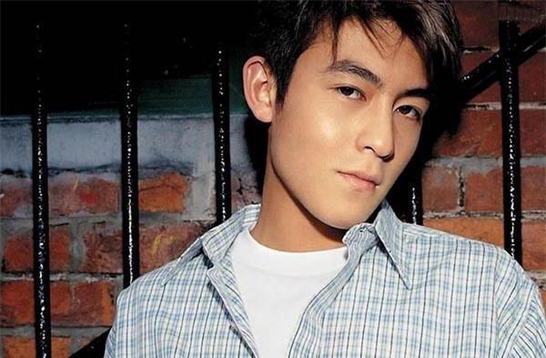 Mặc dù xuống sắc thảm hại nhưng hình ảnh thời hoàng kim của 'bad Boy' Trần Quán Hy vẫn khiến triệu fan nữ xao xuyến vì quá đẹp trai - Ảnh 7