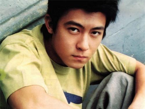 Mặc dù xuống sắc thảm hại nhưng hình ảnh thời hoàng kim của 'bad Boy' Trần Quán Hy vẫn khiến triệu fan nữ xao xuyến vì quá đẹp trai - Ảnh 8
