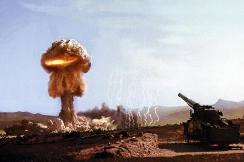 Việc triển khai pháo và cối tự hành có khả năng bắn đạn hạt nhân của Nga bị xem là rất bất thường. Ảnh: