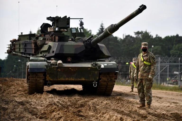 Xe tăng chiến đấu chủ lực M1 Abrams của Mỹ tham dự tập trận DEFENDER-Europe 2020. Ảnh: TASS.