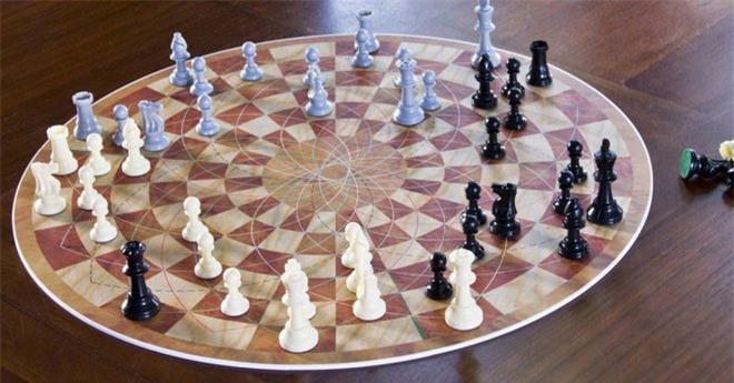 Bàn cờ vua 3 người dạng tròn.
