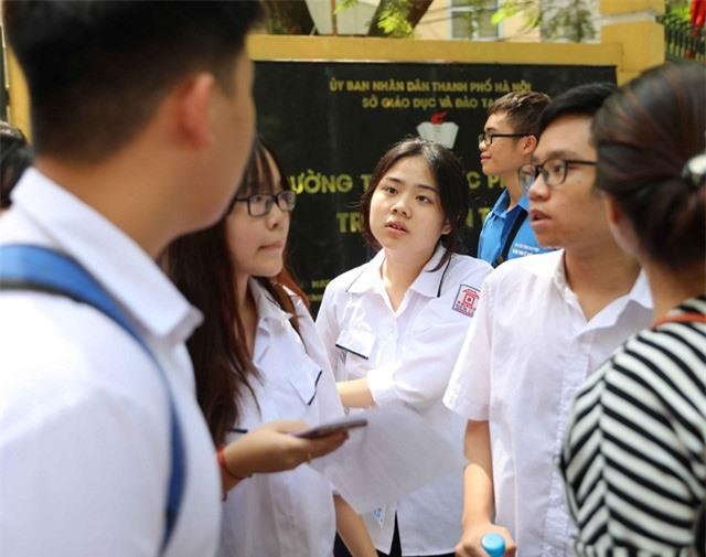 Lưu ý: Học sinh Hà Nội bắt buộc phải xác nhận nhập học khi trúng tuyển vào lớp 10 - Ảnh 1.