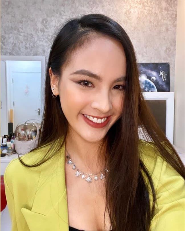MC Quỳnh Nga 7