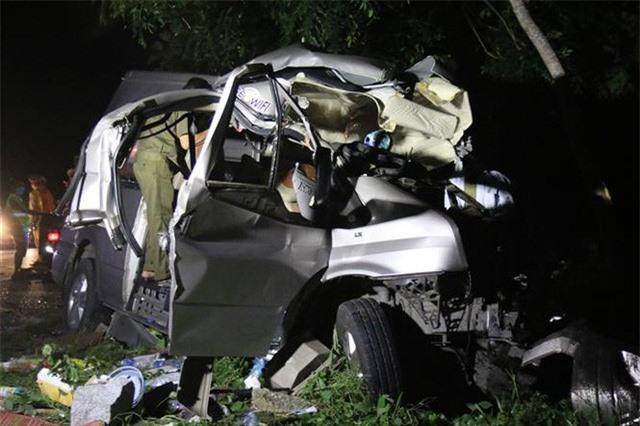 Tai nạn giao thông đặc biệt nghiêm trọng tại Bình Thuận: 8 người thiệt mạng, 7 người bị thương - Ảnh 2.