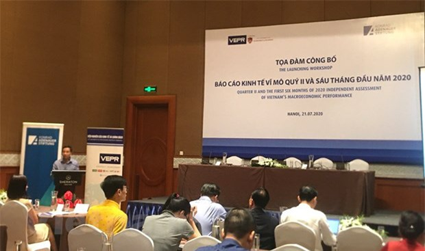Dự báo tăng trưởng kinh tế Việt Nam năm 2020 đạt 3,8% - Ảnh 1.