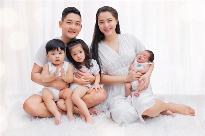 Gia đình hạnh phúc của Thành Đạt và Hải Băng.