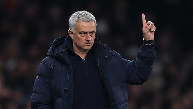 Tottenham của HLV Mourinho chỉ phải gặp Crystal Palace ở vòng cuối