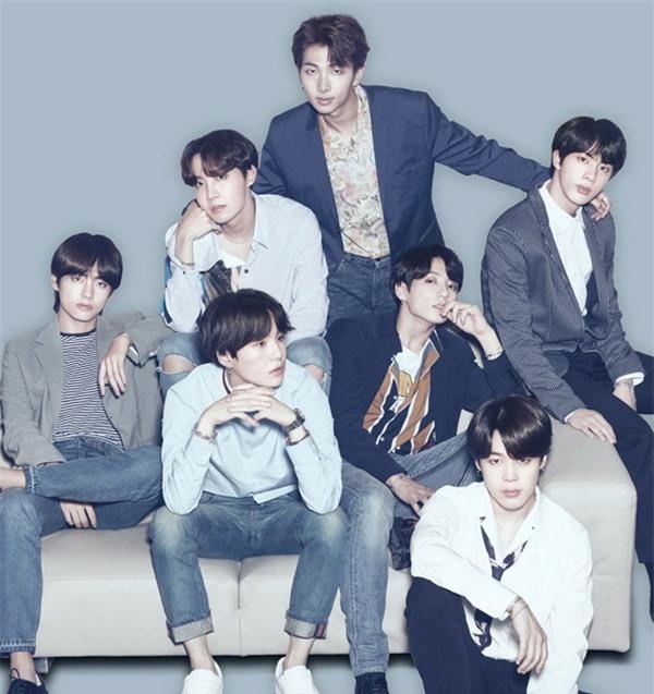 Những màn đuổi bắt kinh hãi của fan cuồng khiến BTS trăm năm ám ảnh - Ảnh 12
