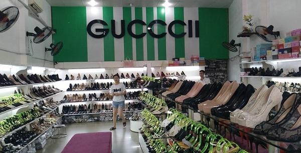 Tạm giữ 1.731 đơn vị hàng hóa là giầy dép, túi xách không rõ nguồn gốc tại cửa hàng giầy dép, túi xách GuccII 14, 16 Đại lộ Hồ Chí Minh, TP Hải Dương