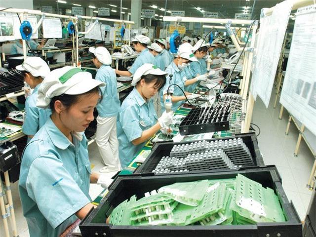 Standard Chartered dự báo kinh tế Việt Nam tăng trưởng 3% trong năm 2020 - Ảnh 1.