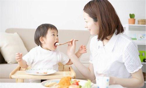 Món ngon cho bé từ 2 đến 4 tuổi đầy đủ dinh dưỡng - Ảnh 2.